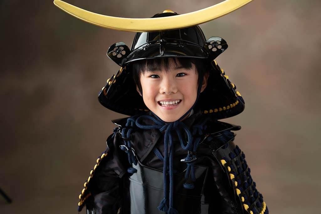 七五三撮影:伊達政宗公の鎧兜を着た七五三、五歳男の子の写真