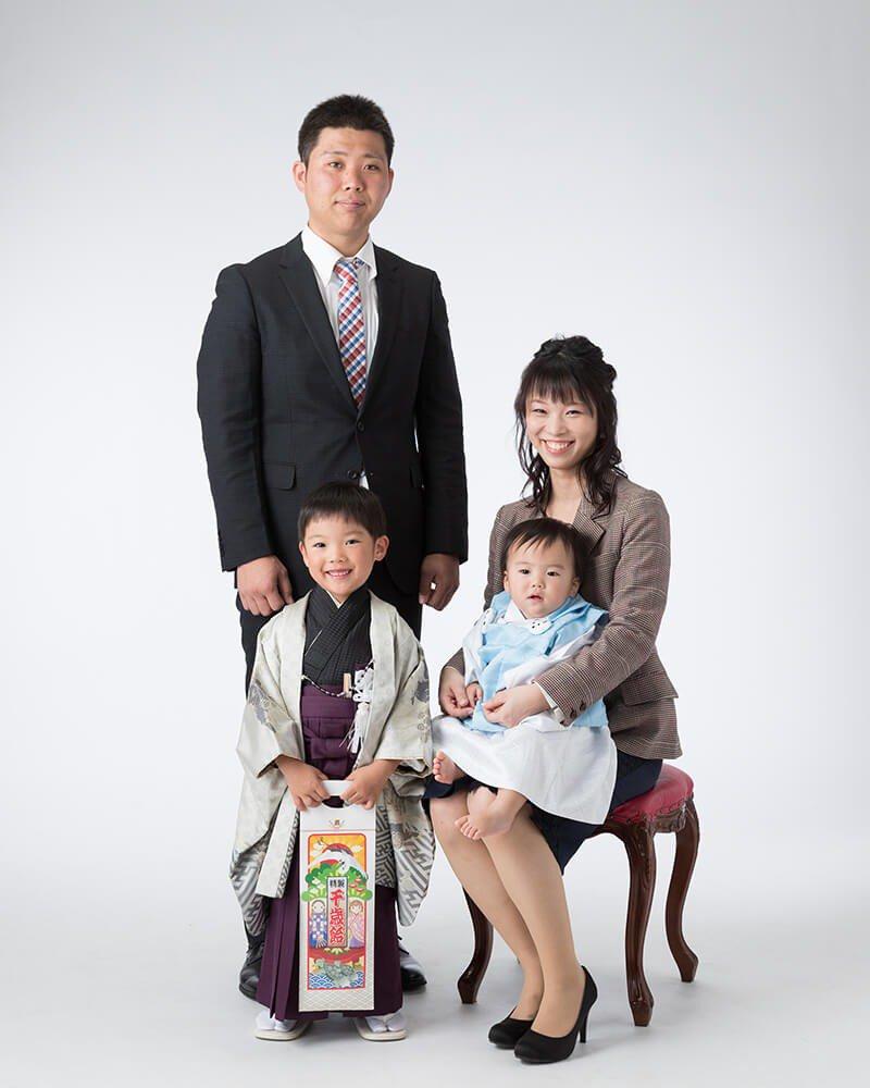 七五三記念撮影:家族写真
