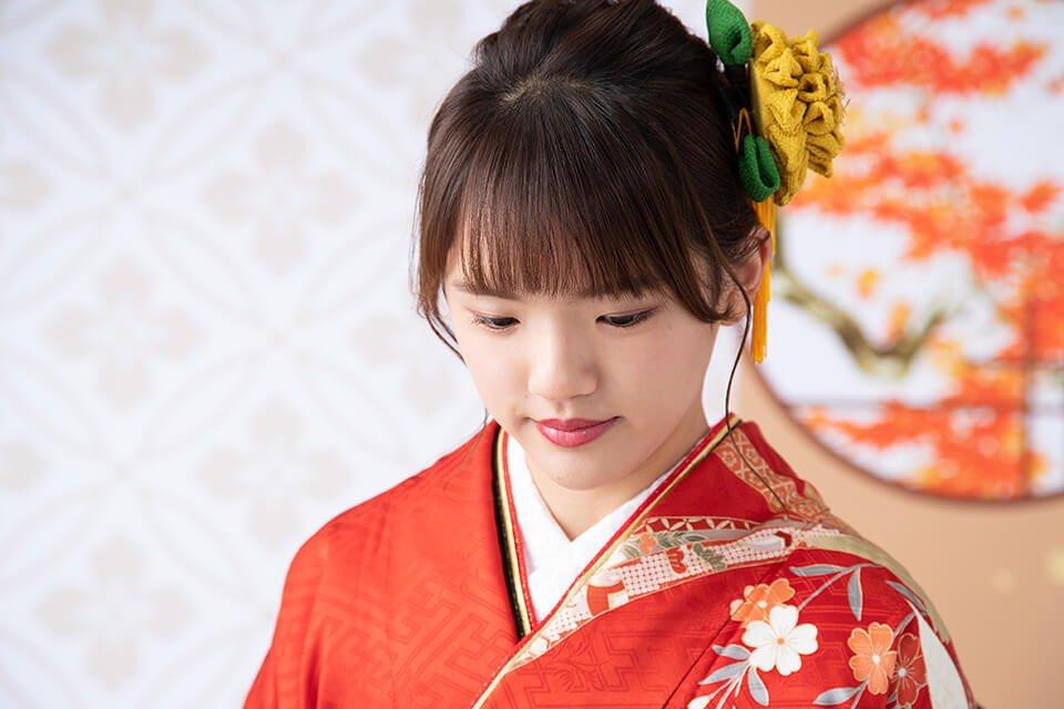 振袖を着た成人女性の写真