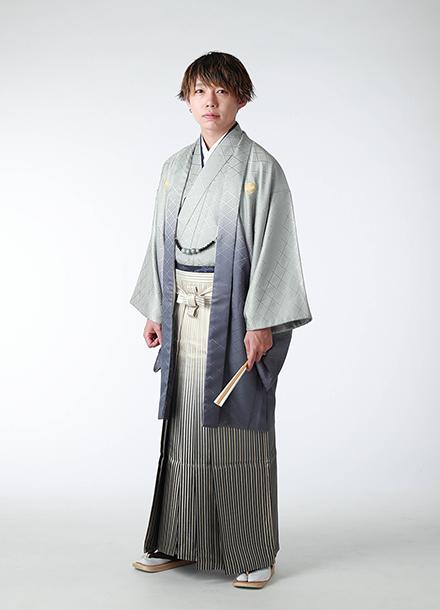 成人式撮影:羽織袴姿の成人男性写真